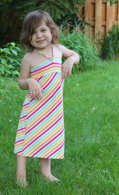 http://icandy-handmade.com/2011/07/fun-in-sundress-lollipop.html