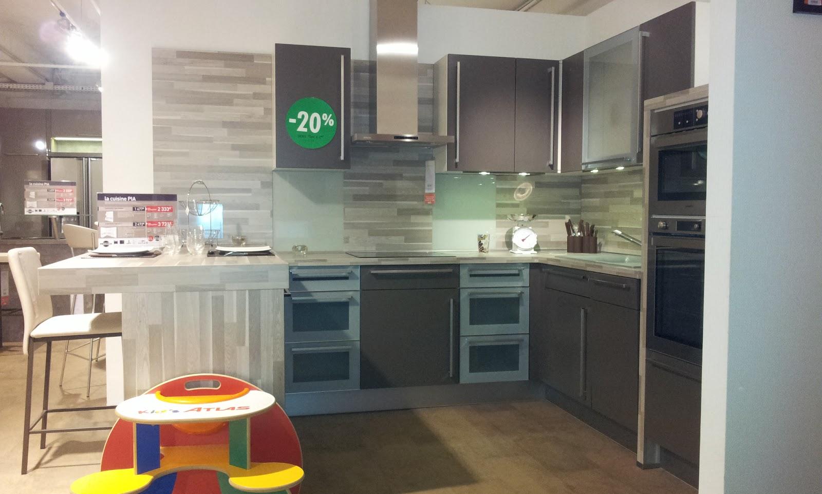 tradimaisons construit ma maison malintrat puy de d me achat de la cuisine et choix du. Black Bedroom Furniture Sets. Home Design Ideas