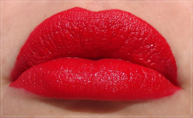 crveno mat sjajilo za usne
