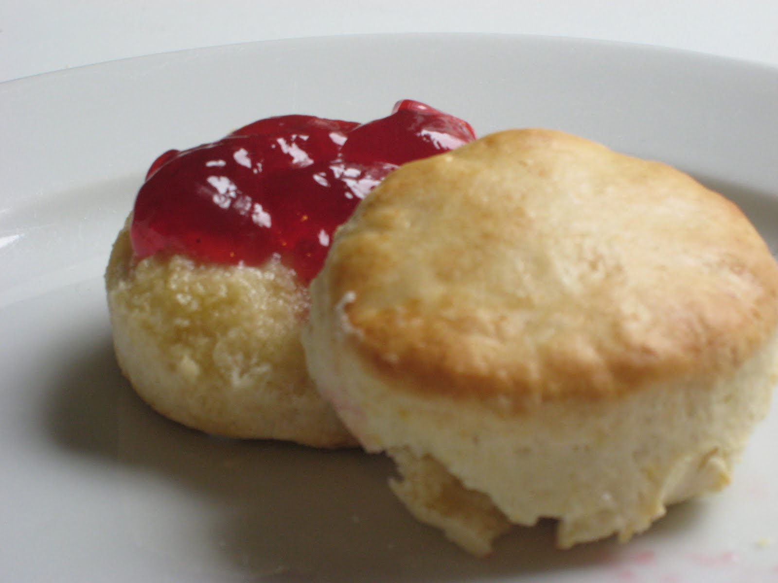 English Scones and Clotted Cream - simple recipe to make ...
