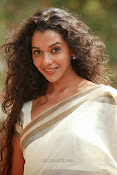Anu Priya latest Photos Gallery-thumbnail-13