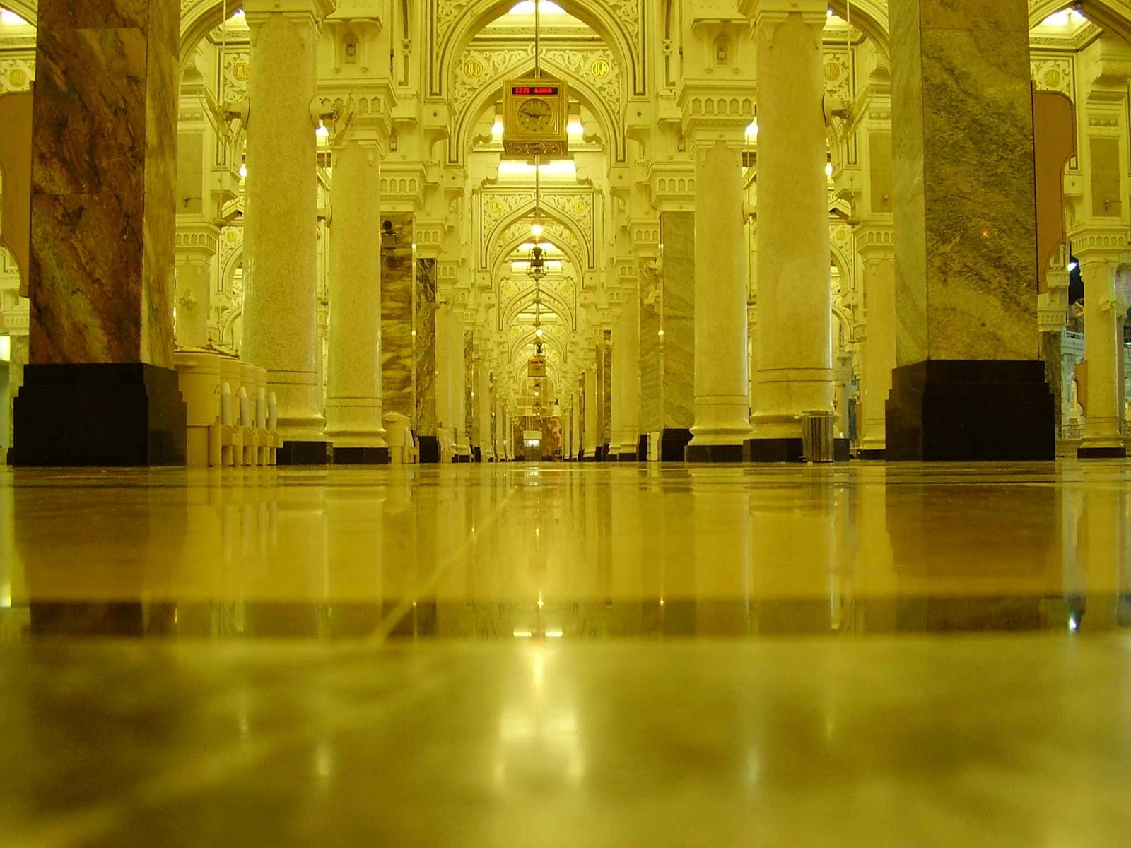 http://3.bp.blogspot.com/-rJ4mSD6UDM0/UDaCxP4n1gI/AAAAAAAAGpM/4BBAZb9rpnk/s1600/islamic-wallpaper-hd-3.jpg