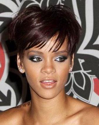 Rihanna katlı kısa saç kesimi ve Rihanna kahve saç rengi