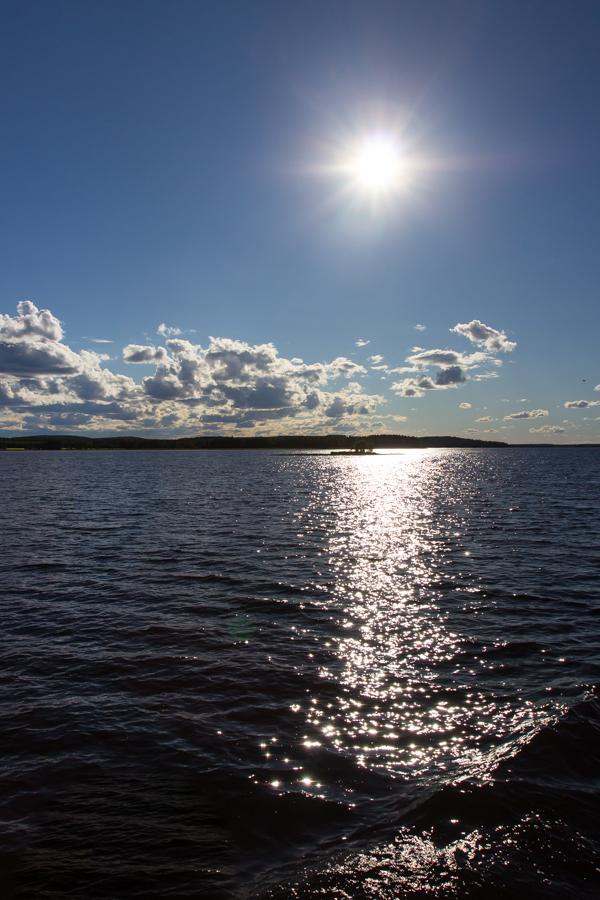 PauMau blogi nelkytplusbloggari nelkytplus nelkytplusblogit porovesi iisalmi auringonpaiste järvellä kimallus järvimaisema savo