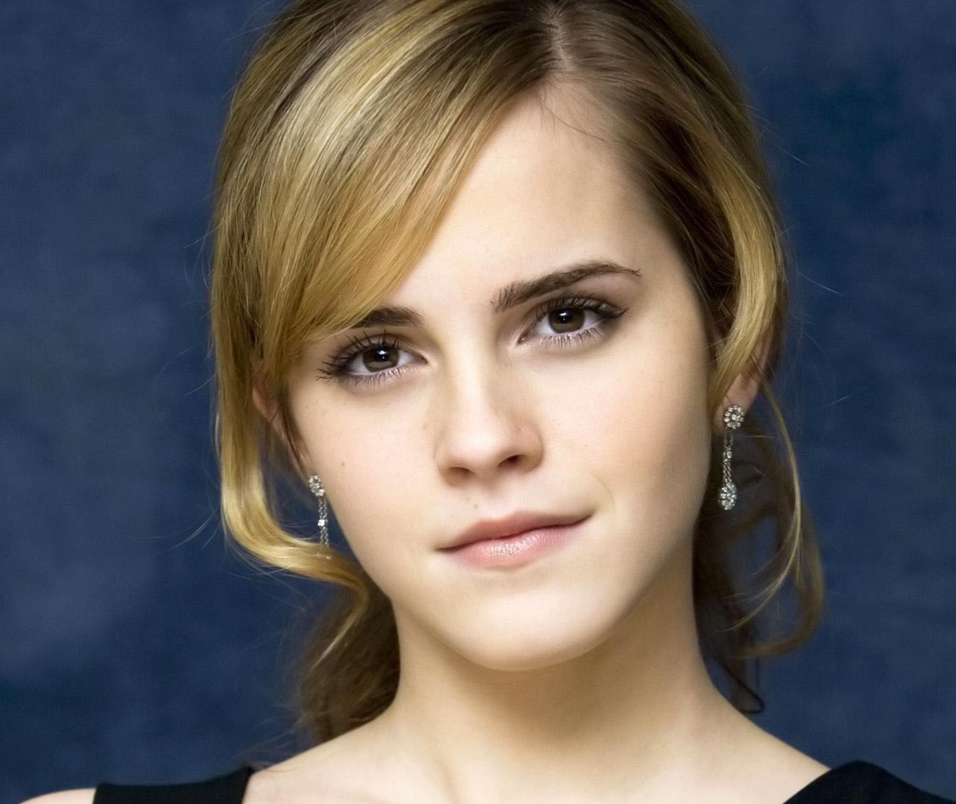 http://3.bp.blogspot.com/-rJH5xj4BaSM/TyUkDi-CciI/AAAAAAAABcQ/ocktdqk8s6w/s1600/The-best-top-desktop-emma-watson-wallpapers-emma-watson-wallpaper-hd-16.jpg