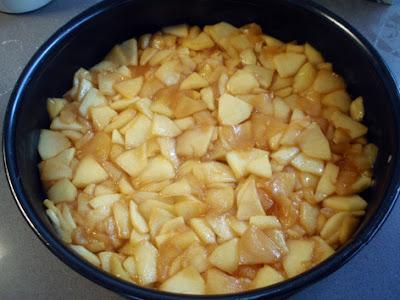 rellenamos con la manzana  caramelizada