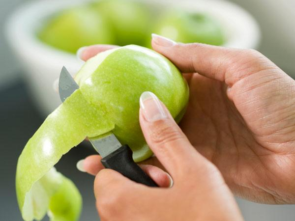 Make meals more a peeling - Practical uses for the apple peels ...
