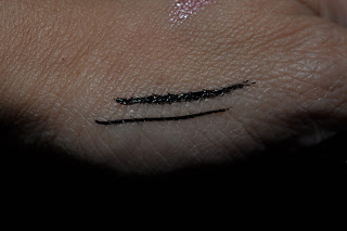 NYX The Curve Liquid Liner