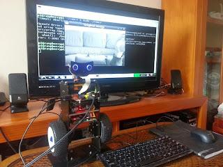 Robô com PIC e Raspberry Pi