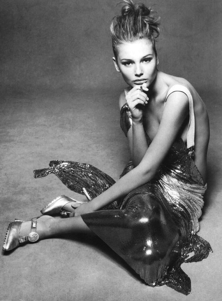 Versace Oroton Chain mail | versace campaign | Bridgette Hall 1994
