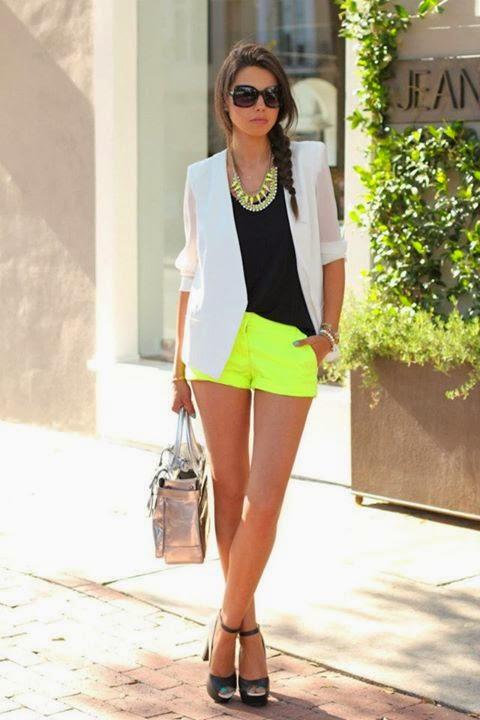 Outfits con colores neóns