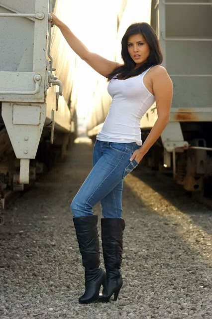Sunny Leone PIctures in Sandos and Tight Jeans with High Boots