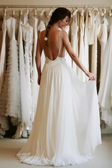 Balklänning med öppen rygg