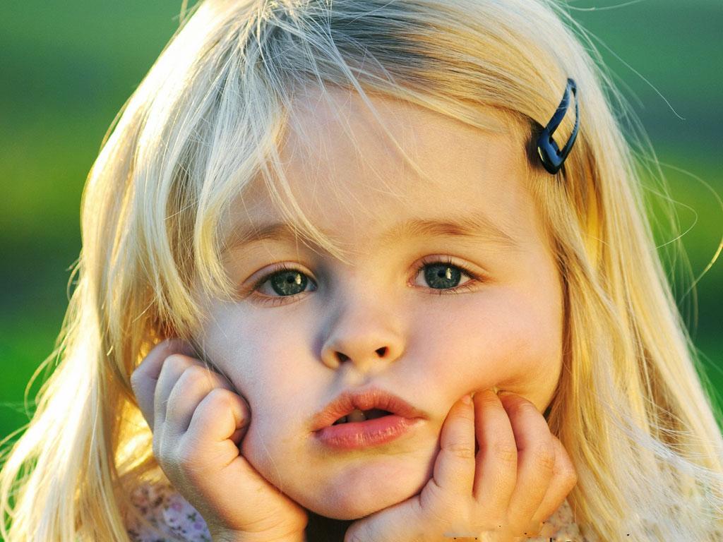 Cute Little Girl In Deep Mind Hd Wallpaper Cute Little