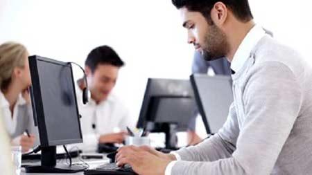 Tips Menjaga Kesehatan Mata di Depan Komputer