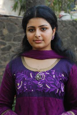 http://3.bp.blogspot.com/-rLTqiuCGK_s/T5lvGkH6pRI/AAAAAAAAWps/FWPdYnV8esM/s1600/Raattinam+Heroine+Swathi+Cute+Photos+Stills+Tamil+Actress+Swathi+New+Photoshoot+images+(4).jpg