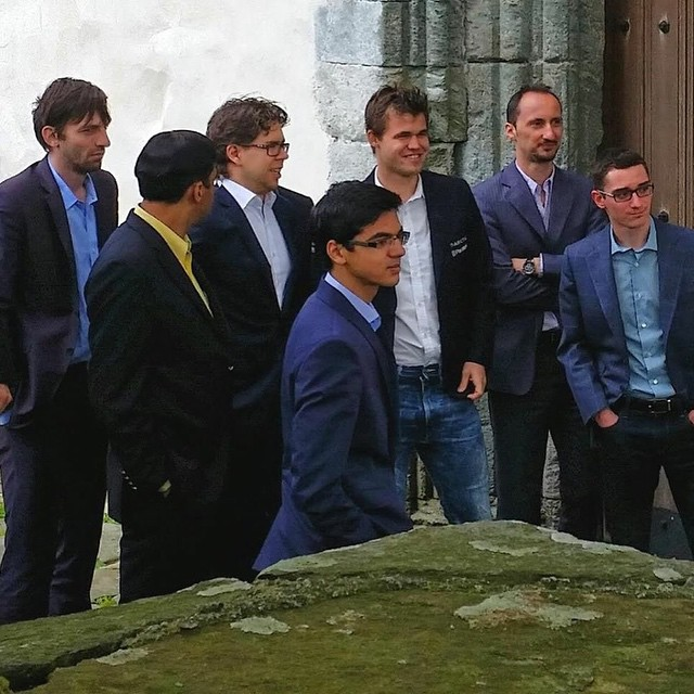 Jugadores del Norway Chess 2015 en el monaterio de Utstein