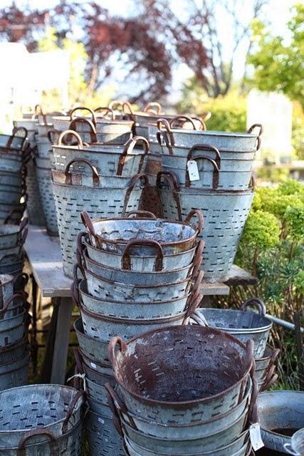 vintage olive baskets, http://dreamywhites.blogspot.com/