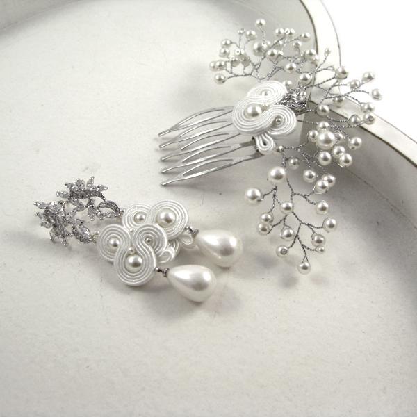 Śnieżnobiały komplet ślubny ustasz z perłami.