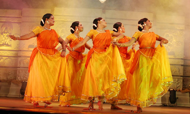Cultural Dance During Taj Mahotsav