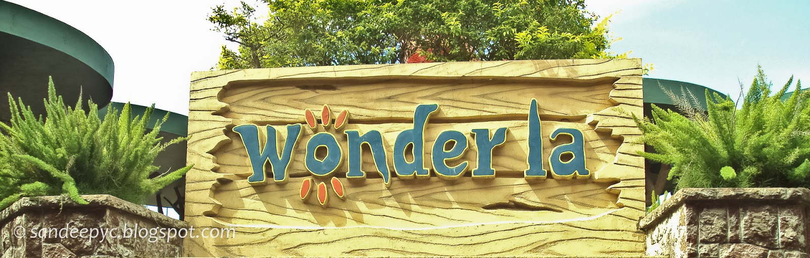WonderLa entrance