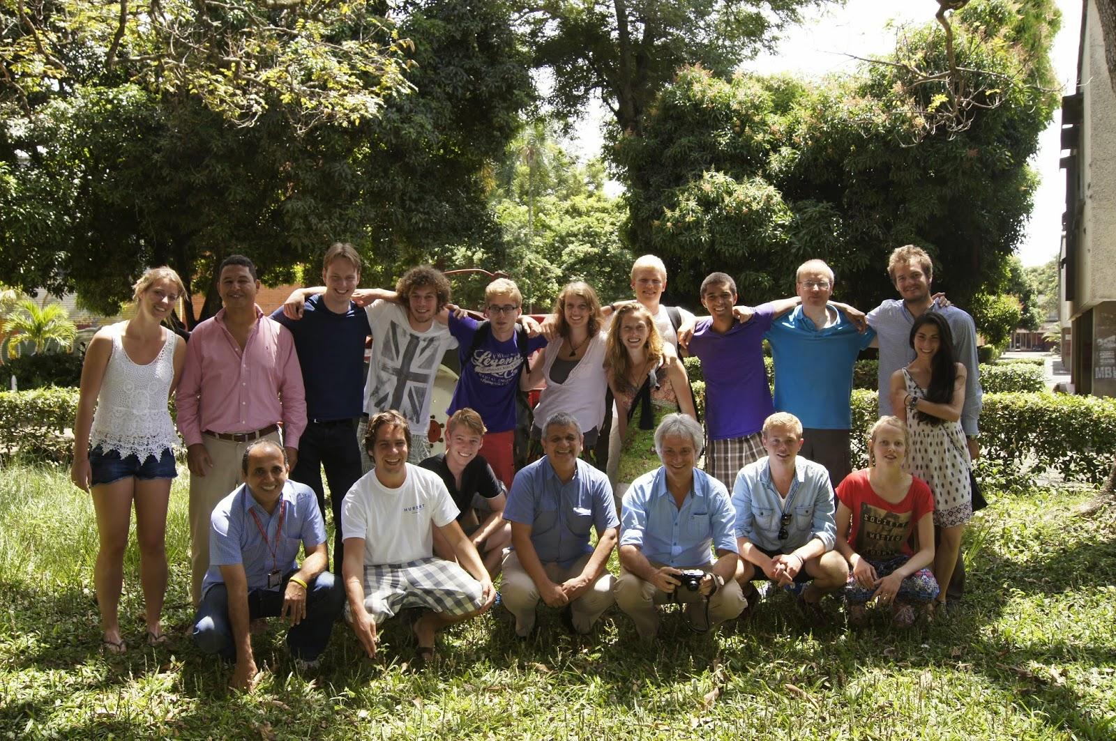 Estudiantes y Profesores de la Universidad de Delft Holanda