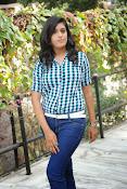 Liza reddy glam pix in jeans-thumbnail-7