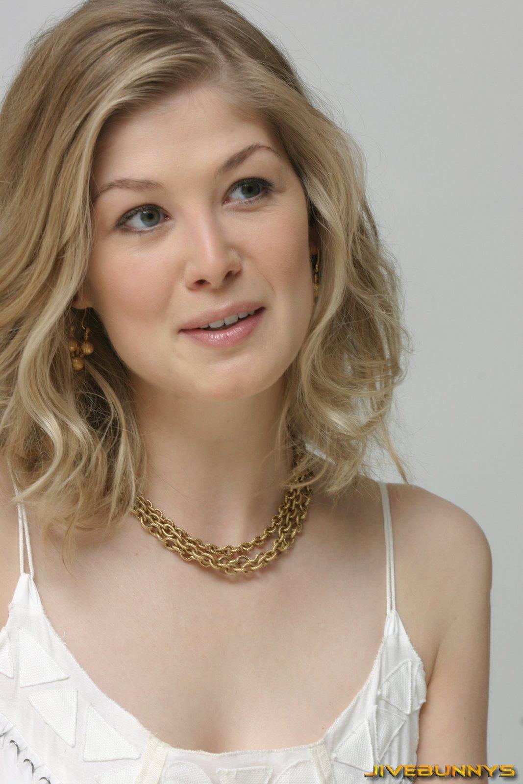 Pike actress rosamund