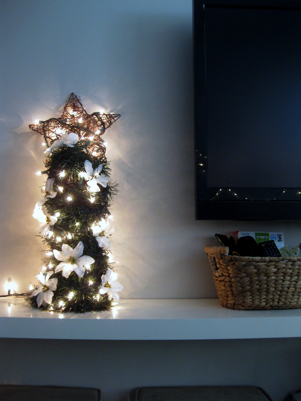 Non traditional christmas tree ideas -  Nontraditional Small Space Christmas Tree