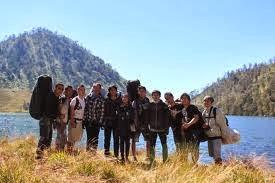 http://agenwisatabromo.blogspot.com/2013/10/wisata-bromo-tour-ranu-kumbolo-3-hari-2.html