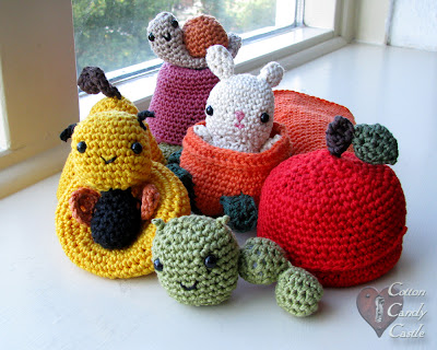 Amigurumi animals and fruits/vegetables