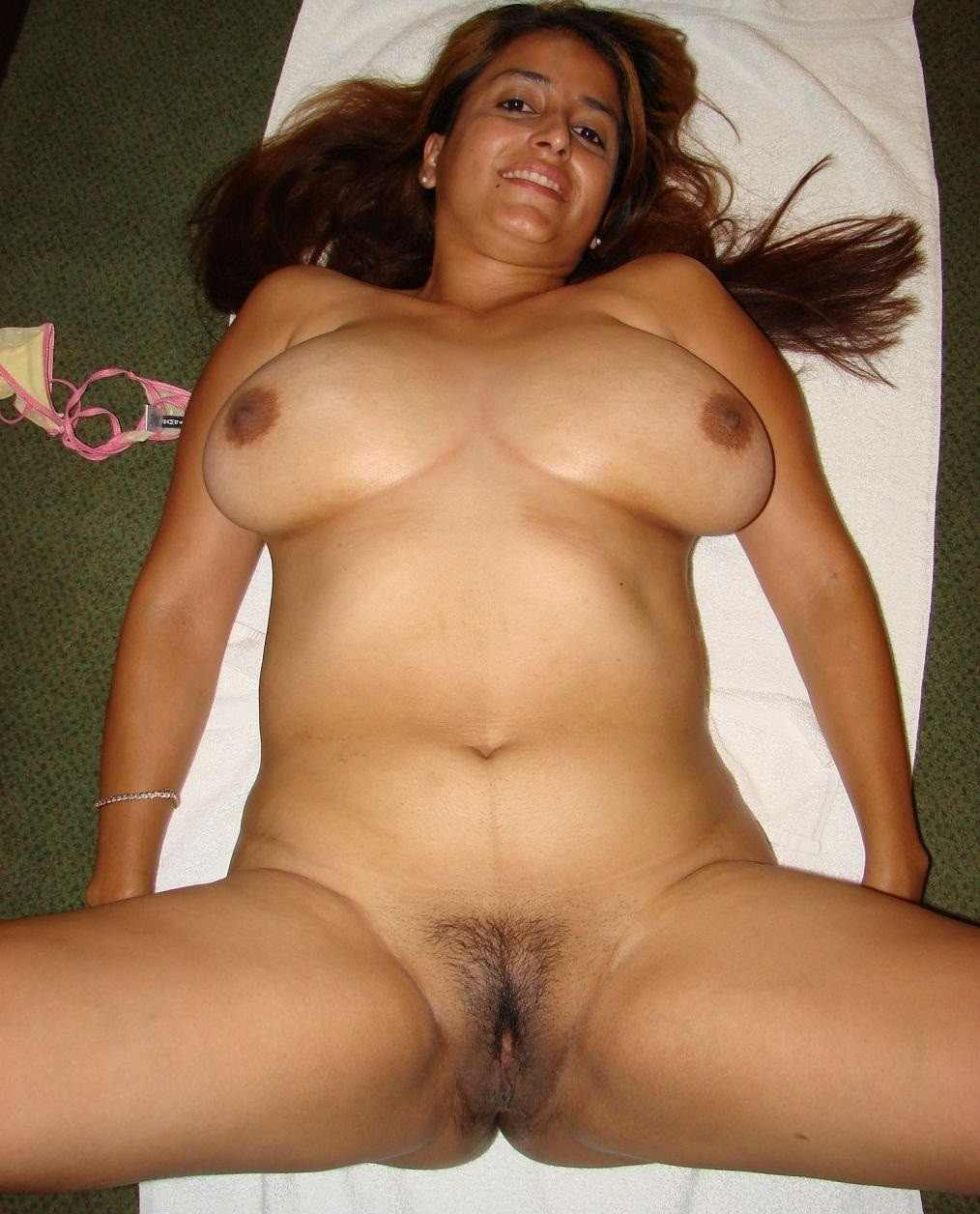 Mature indian aunty nude