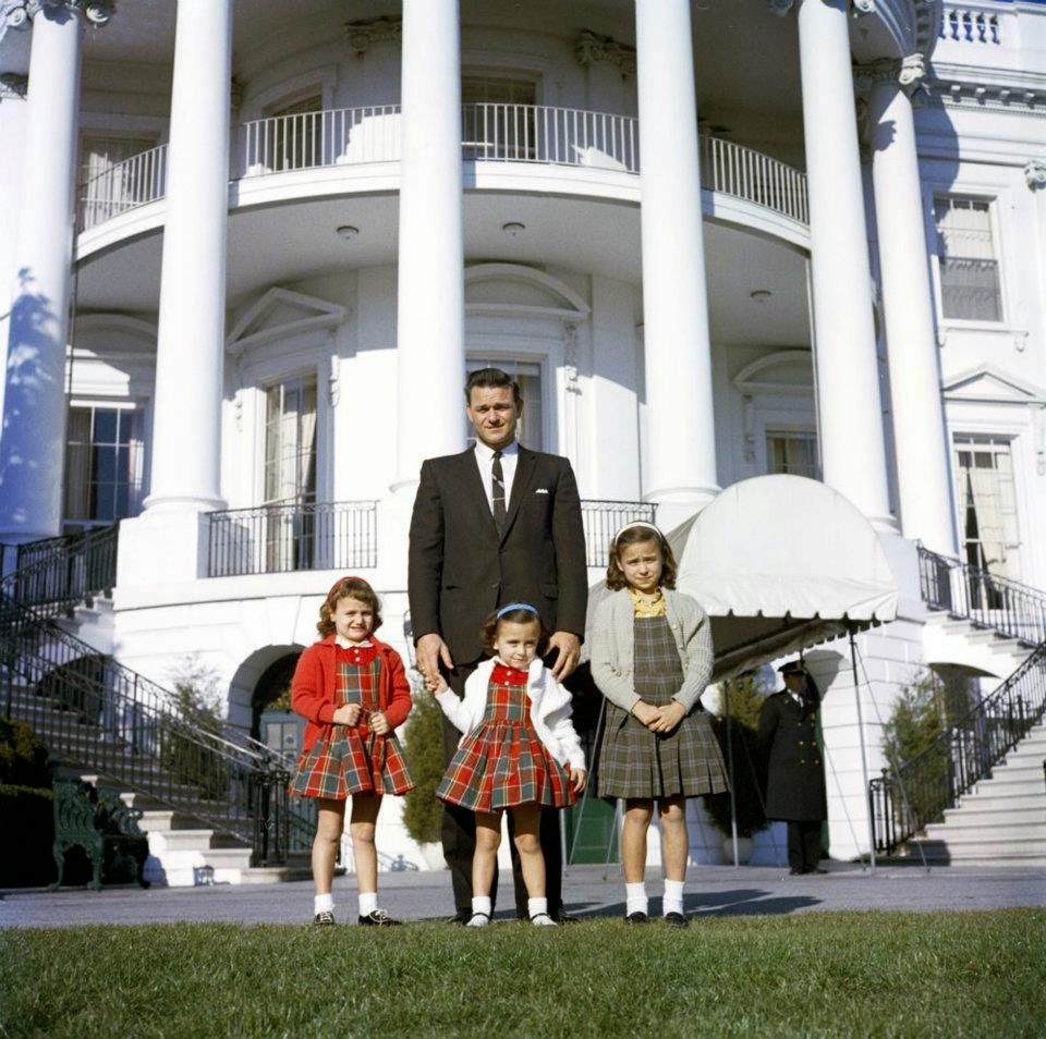 """SA Charlie Kunkel (later to """"guard"""" Marina Oswald) with his daughters"""