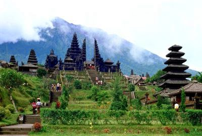 Pura Besakih - Objek Wisata di Bali