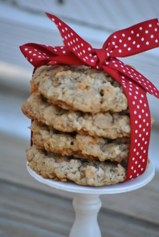 The Farm Girl Recipes: Oatmeal Butterscotch Cookies