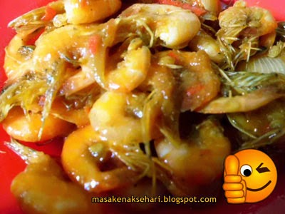 Cara memasak udang saos sambal pedas