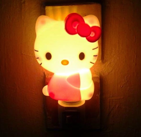 Gambar lampu tidur hello kitty model nempel dinding