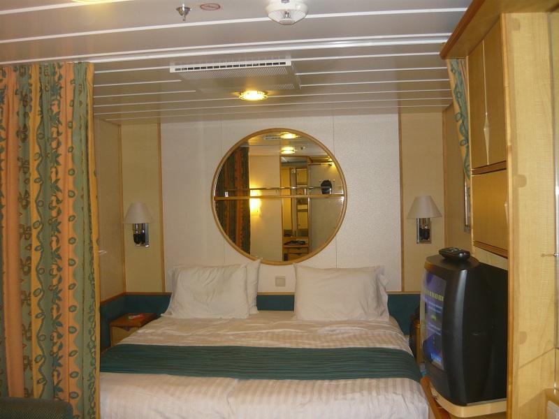 Fantastica crociera con navigator of the seas pazzo per for Cabina interna su una nave da crociera