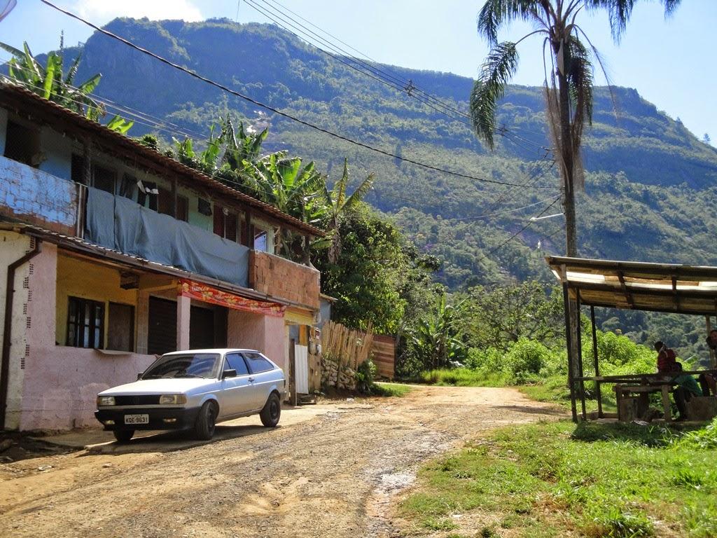 Ocupação desordenada na Estrada Rincão do Vovô na Posse Teresópolis RJ