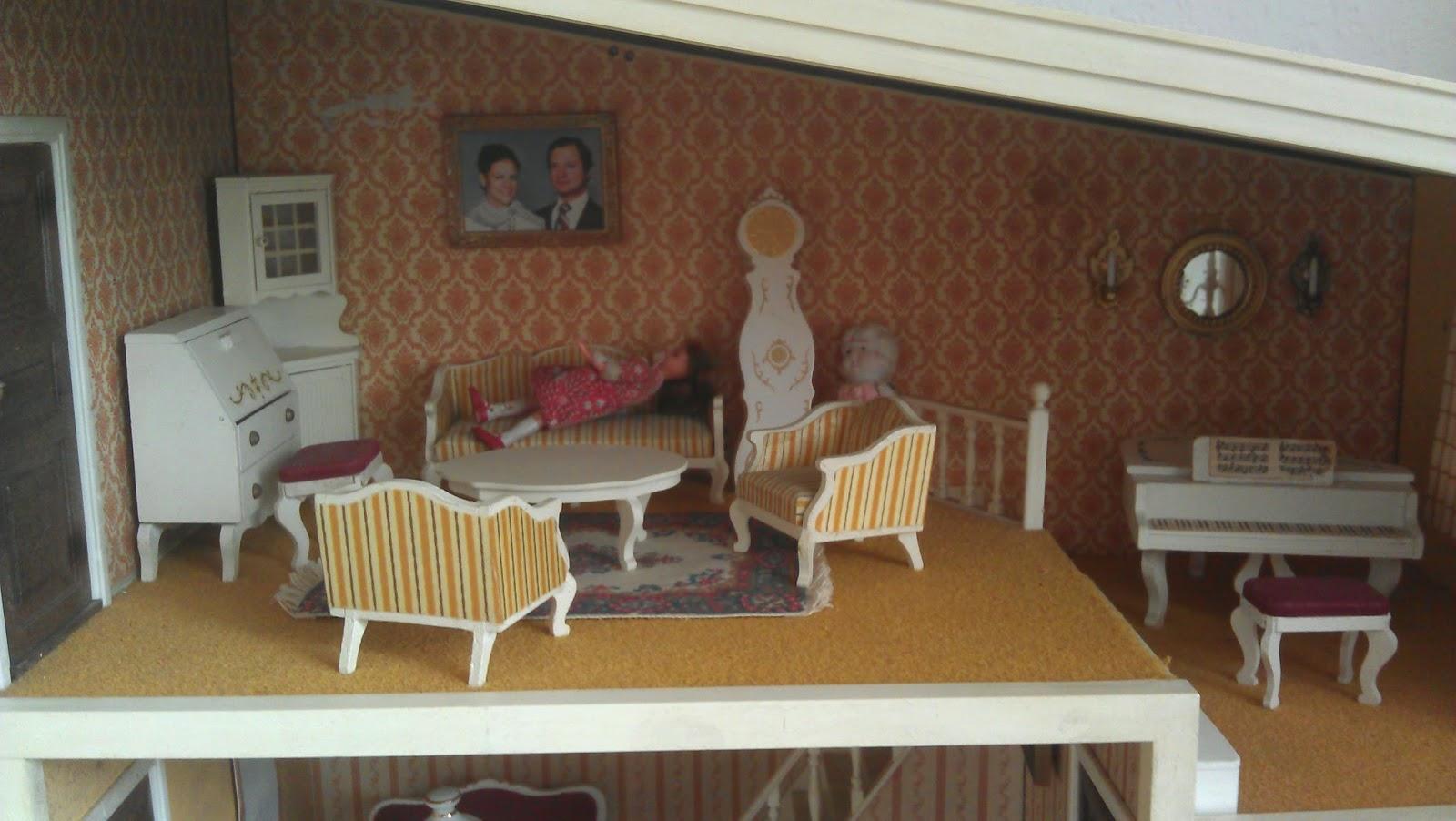 augenblick mal lundby puppenhaus. Black Bedroom Furniture Sets. Home Design Ideas
