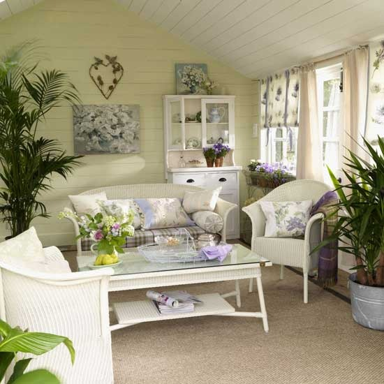 Garden Living Room A Hard Wearing Rug Maintains Natural Feel In The While Pale Greens And Floral Prints Create Related Theme