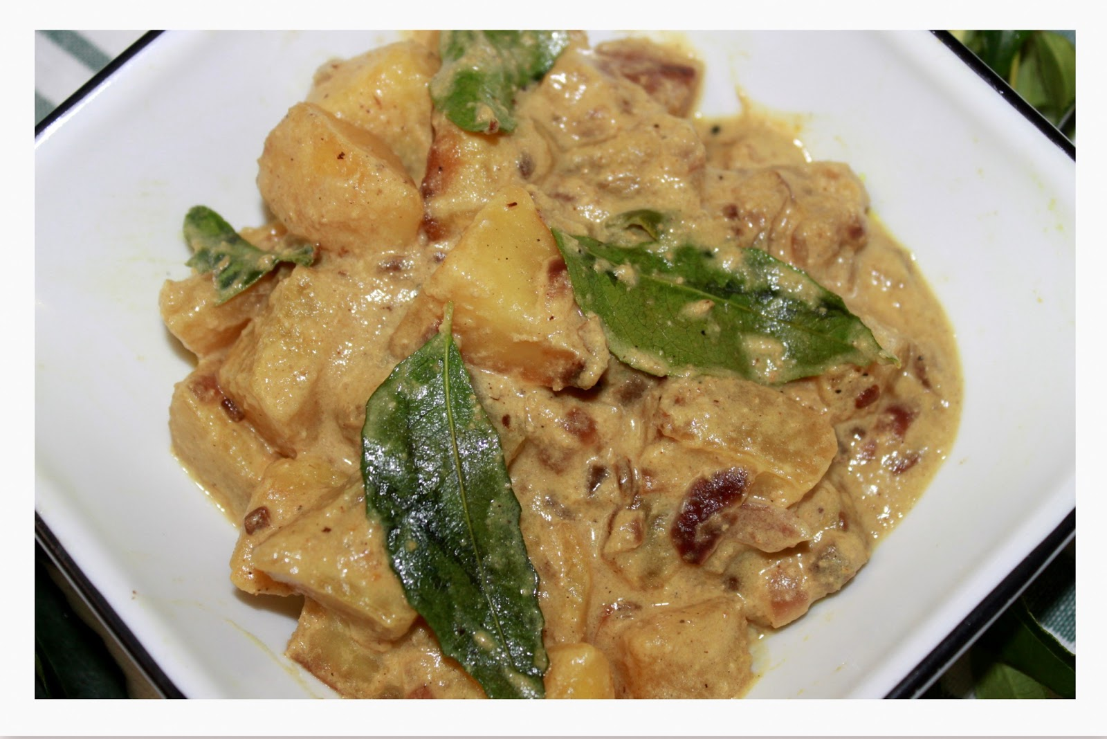 sweet n spice delicacy: Green Papaya curry with coconut milk