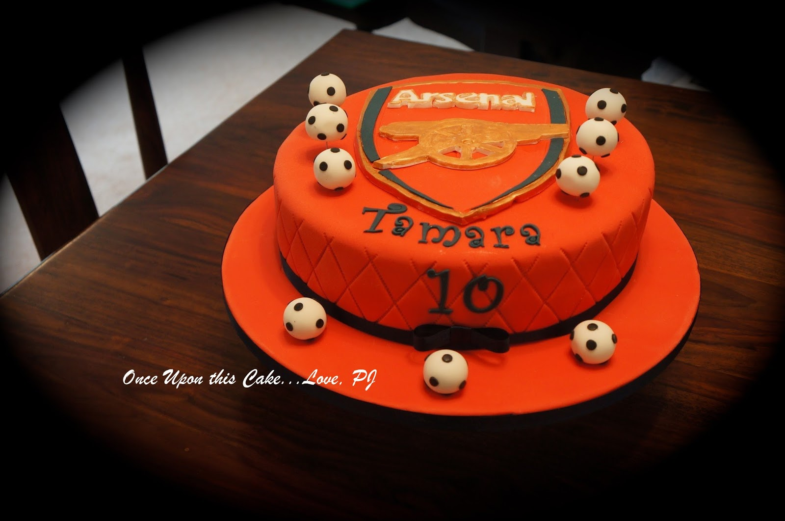Arsenal themed birthday cake Once Upon This Cake Love PJ