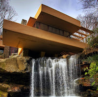 Taccuini internazionali ville savoye casa farnsworth e for Wright la casa sulla cascata