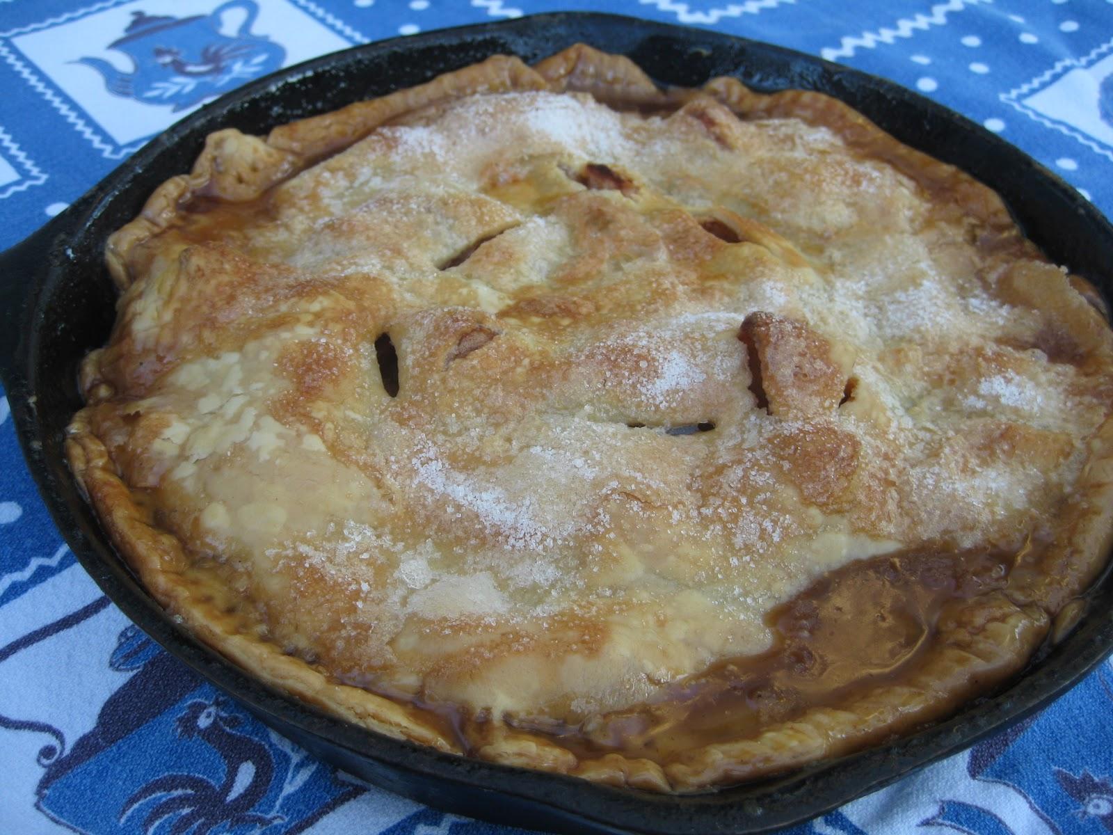 heidi 39 s recipes iron skillet apple pie recipe. Black Bedroom Furniture Sets. Home Design Ideas