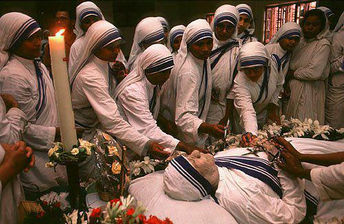 Mother Teresa Forever Alive in Every one's Heart