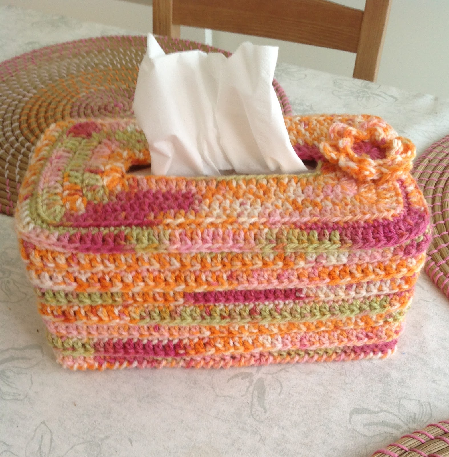 MonikaRose Crochets...Knits....& Stamps: Another Tissue Box...Love ...