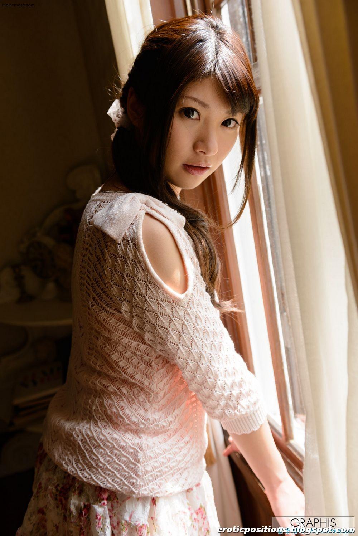 Lonely girls like beauty dolls  - Ogawa
