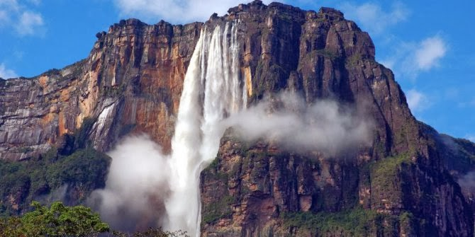 The most amazing Waterfalls in the World - Angel Falls or in Spanish