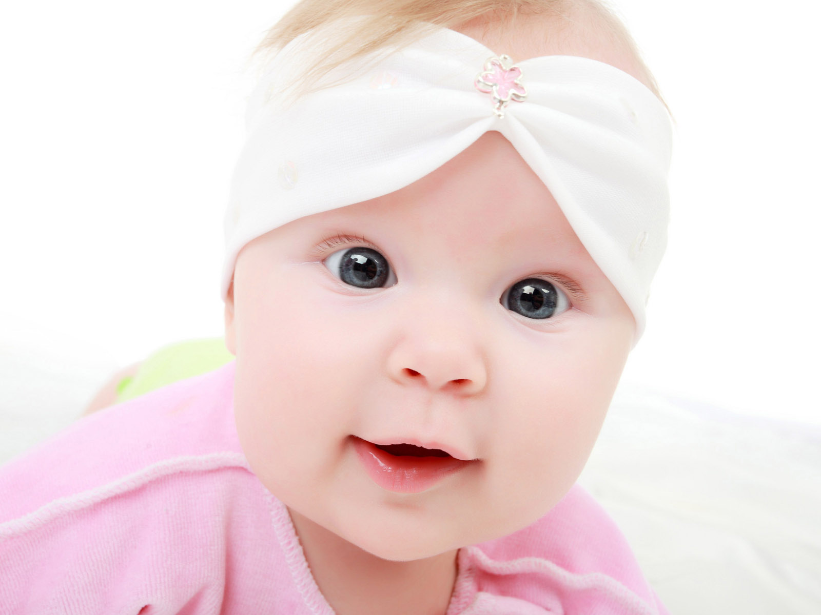 Babies smiling wallpapers salon des refus s for Baby wallpaper